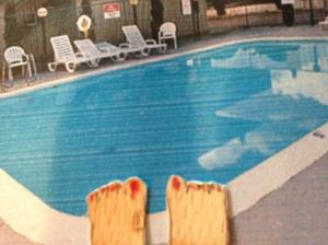 7:25 pool feet